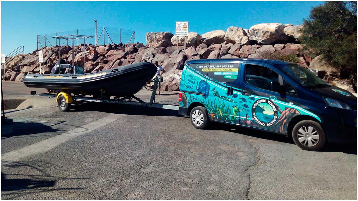 Port of San Jose, Van, trailer and boat VOLCANIC TOURS. Boat Routes Cabo de Gata